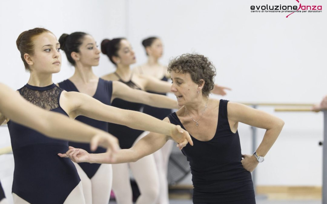 Lezione di danza classica con la M° Lucia Geppi